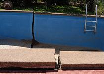 Danni alla piscina in muratura